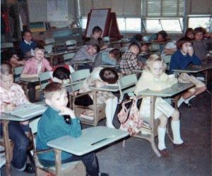 Mom's 2nd grade class in Winfield.