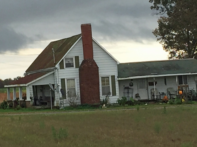 Old farmhouse, on the way to Fayetteville.