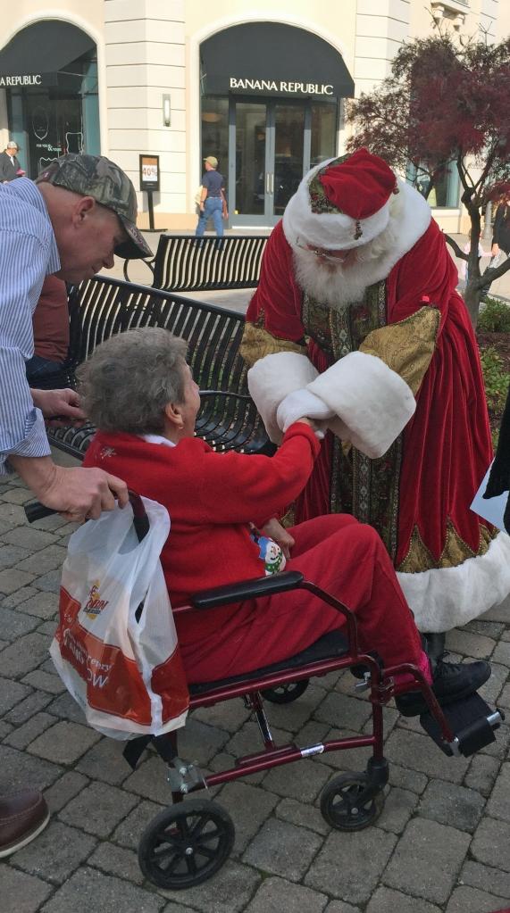Santa_with_Lady